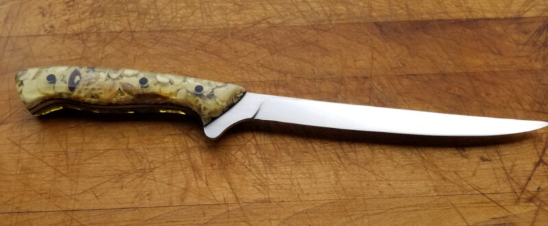 Novinc Knives - Filet #516 in CPM-154 and sea shells cast in resin